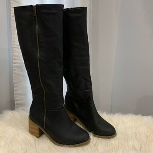Leila Stone the Krystie black boots size 6.5